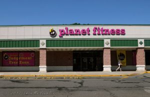 planet-fitness-cressona-mall