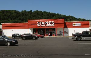 staples-cressona-mall